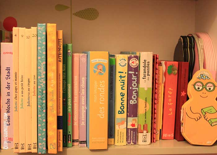 Sa première bibliothèque | Ihre erste Bibliothek